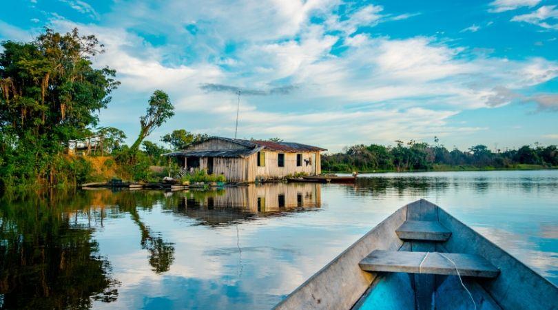 Fiume amazzonia Colombia Leticia come viaggiare foresta amazzonica