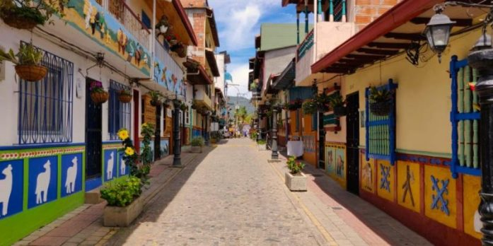 Guatapè, Colombia autentica vicino a Medellin