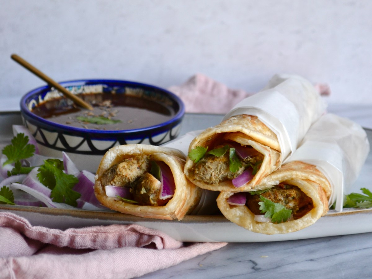 paratha rolls, ramadan food, Iftar snacks, Malai Boti roll, chicken boti roll