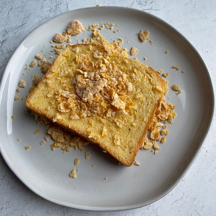 corn flakes add a crunch to the French toast