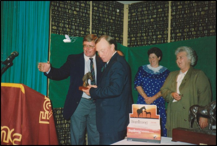 Alec Herbert receiving the HVBHBA Service to Industry Award in 1990 from the author