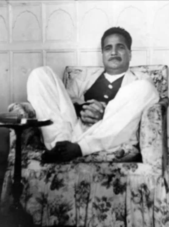 Rear Pictures of Allama Iqbal on Iqbal Day 9 November