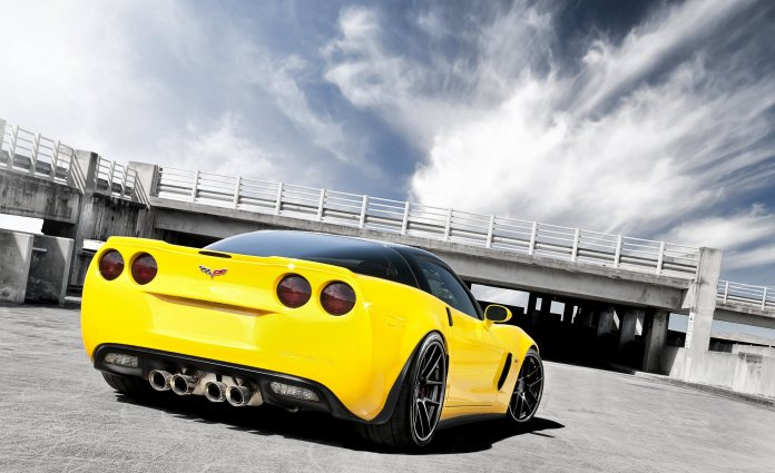 Yellow Sports Cars 3D Wallpapers Images Collection