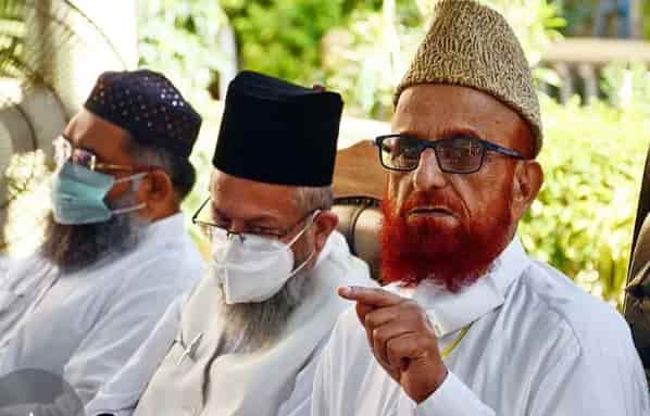 Mufti Muneeb-ur-Rehman Removed from Ruet-e-Hilal Commety After 19 Years