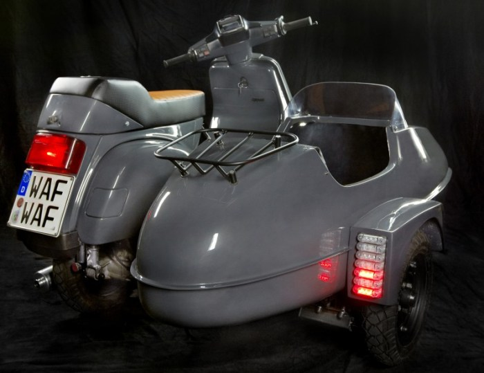 Scooter & Service Vespa Cosa combo, 2012.