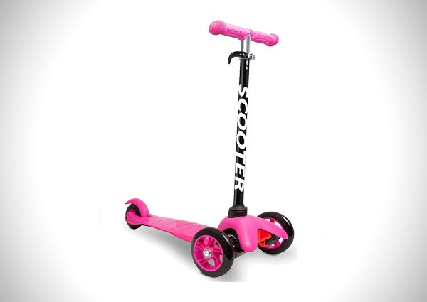Deluxe Aluminum 3 Wheel Glider with Kick n Go