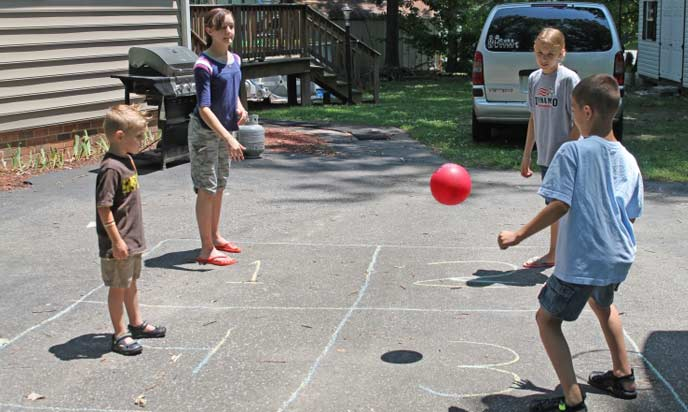 Four Square Games