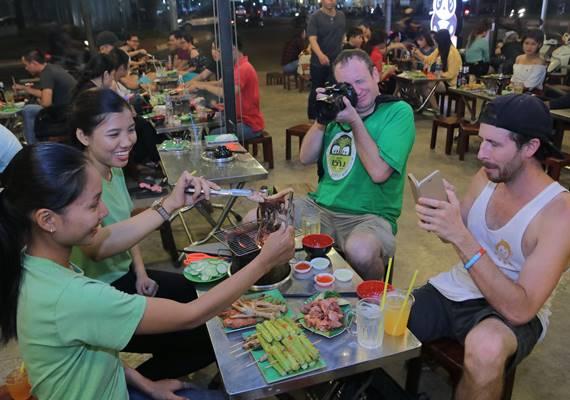 Private Night Saigon Street Food Tour by Motorbike
