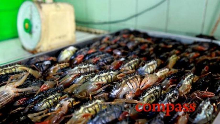 crab-restaurant-dinh-tien-hoang-16x9-0512-5_13860642631