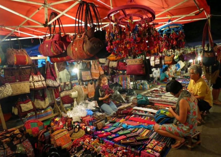 9. Hanh Thong Tay night market