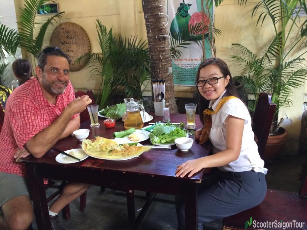 saigon sightseeing & street food tour banh xeo