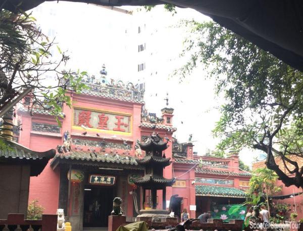Jade Emperor Pagoda Or Chua Ngoc Hoang