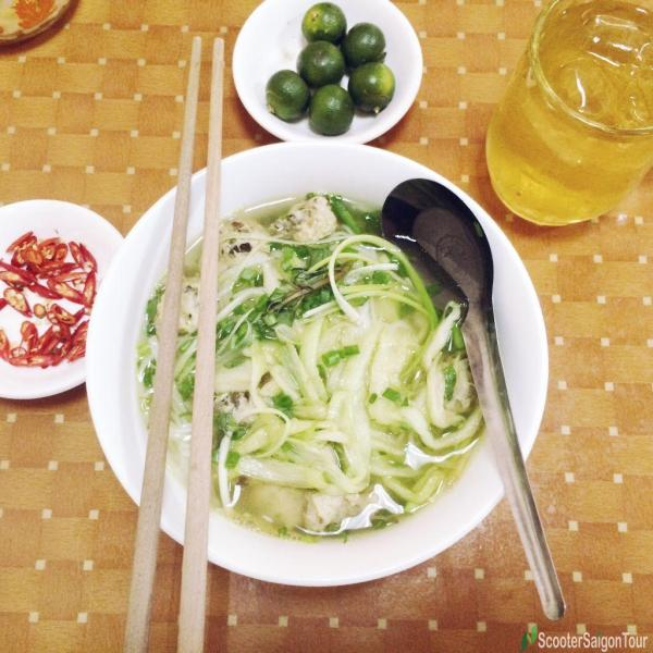 Clear Rice Noodle With Meat Ball