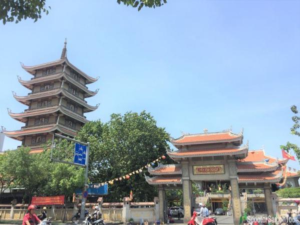 Vinh Nghiem Pagoda In Saigon 2