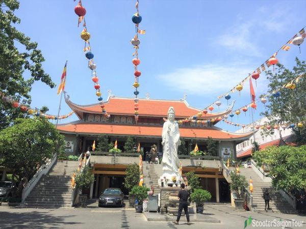Vinh Nghiem Pagoda In Saigon 3
