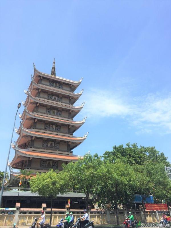 Vinh Nghiem Pagoda In Saigon