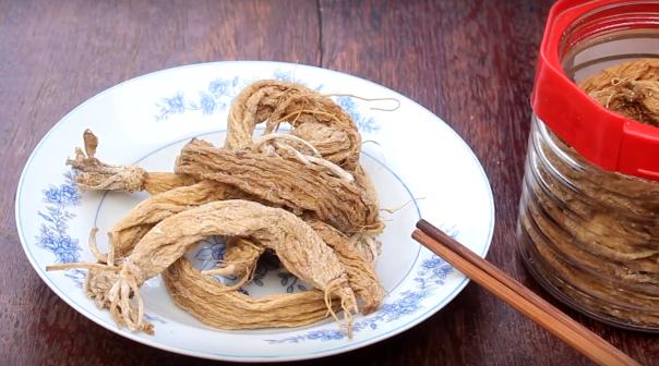 Chit Sa salt-preserved daikon