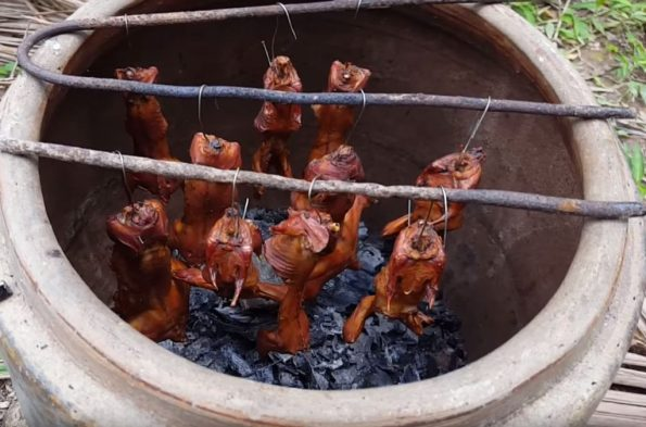 Cao Lanh grilled mouse in terracotta jar