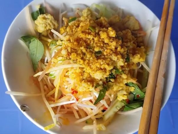 Ha Tien trumpet rice noodle soup