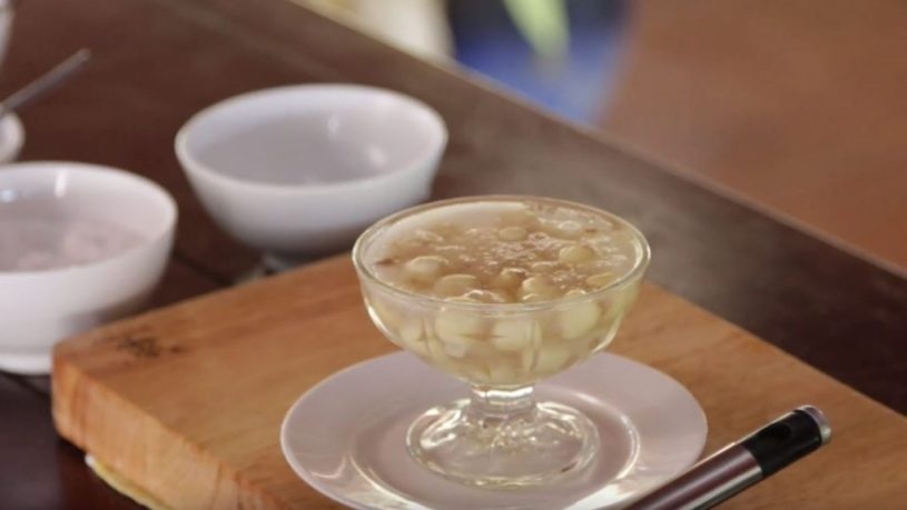 hue lotus seed sweet soup