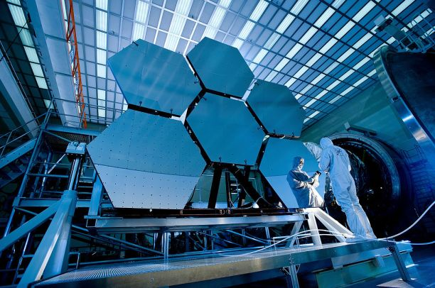 Cryogenic testing of James Webb Space Telescope mirrors
