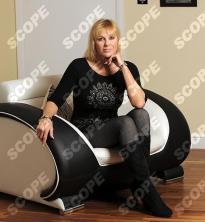 Linzi Drew-Honey mother of actor Tyger drew-honey - 2011