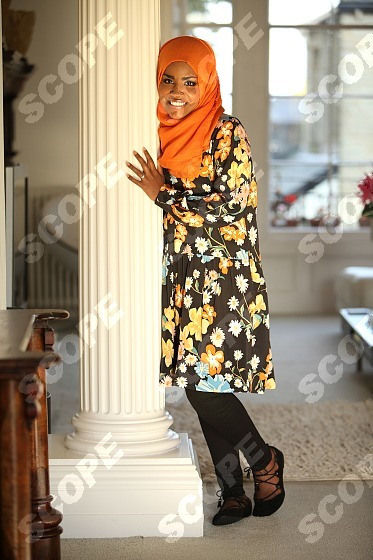 """""""The Great British Bake Off Winner"""" Nadiya Hussain posed at home with her family at home in Leeds Husband Abdul Children, Musa 9yrs, Maryam 5yrs and Dawud 8yrs old 2015 76073TW Must Credit Tony Ward/Scopefeatures Must Not Be Used Without Permission MIN FEE'S APPLY"""