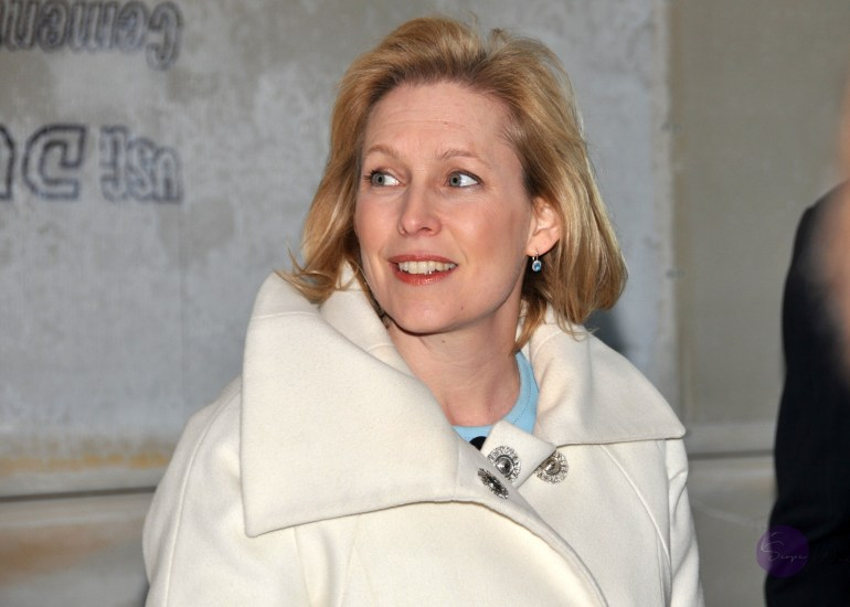 Senator Gillibrand visits the Niagara Falls Air Reserve Station