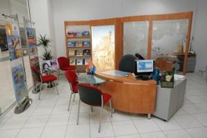 agencement d'agences de voyages