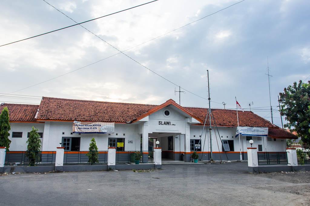 Stasiun kereta api Slawi