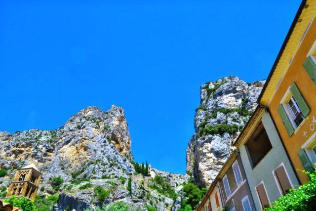 Moustiers-Sainte-Marie : la stella delle falesie