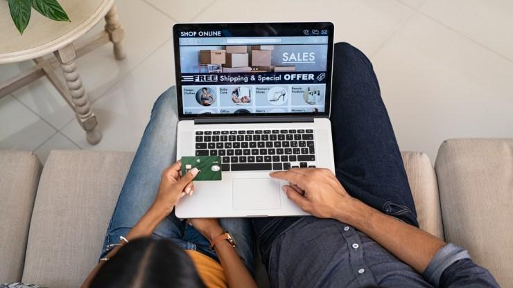 shopping Wayfair's home décor sales