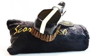 Colt Black 360 Wave Brush Plus Goose Down Velvet Pouch