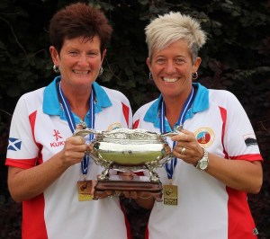 winner ladies pair (E)