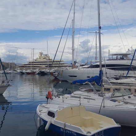 The wealthy side of Antibes
