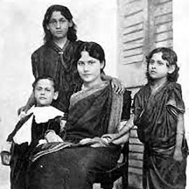 Rabindranath Tagores son Rathindranath and daughters Madhurilata Devi (Bela), Mira Devi and Renuka