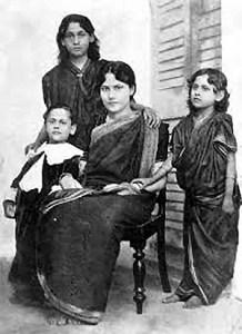 Rabindranath Tagores son Rathindranath and daughters Madhurilata Devi (Bela), Mira Devi and Renuka