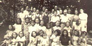 Janie THOMPSON's Sunday School Group, 1940's