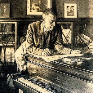 serge-rachmaninoff-at-piano-1