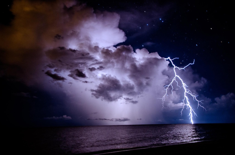 How to Take Photos of Lightning – Tips for Photographing Lightning