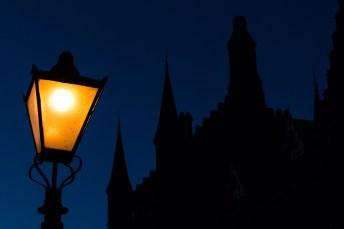 Night falls on Glasgow Uni