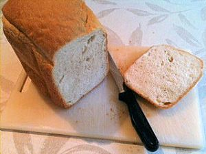 Breadmaker Bread: Basic Large Size White Loaf