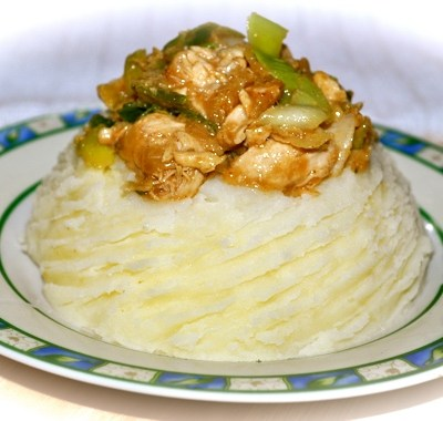 Chicken Sauté with Leek on a Bed of Mashed Potato