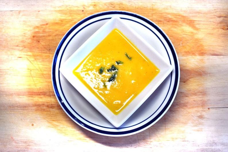 creamy-pumpkin-soup-750