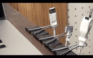 2-binder-clip-life-hacks-cable-tidy