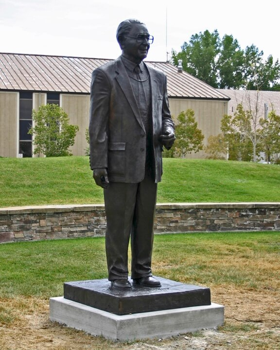 Monumental Sculpture of Newell Sargent sculpted by Scott Rogers