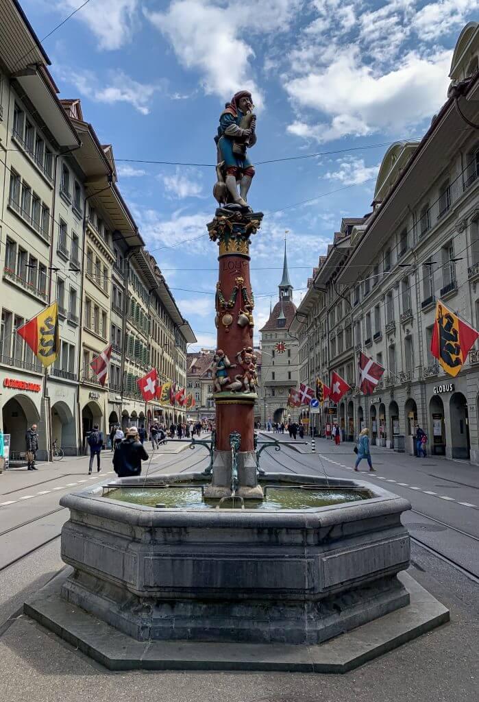 Bern Water Fountain Monument - Pfeiferbrunnen