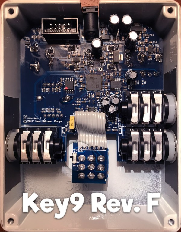 interior look at PCB of Key9 pedal