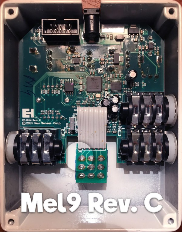 interior look at PCB of Mel9 pedal