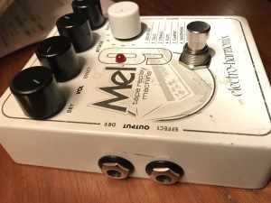 exterior look at output jacks of Mel9 pedal